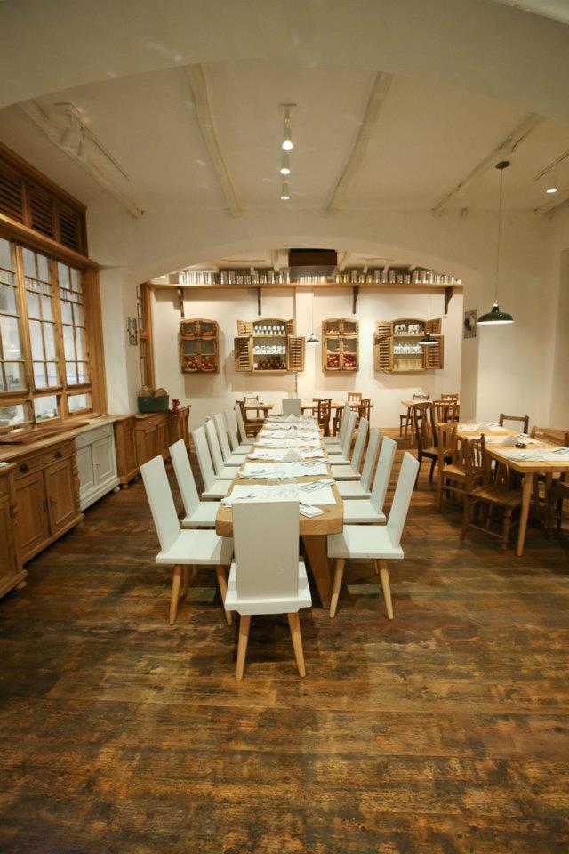 - lacrimi-si-sfinti-restaurant-bucharest-12