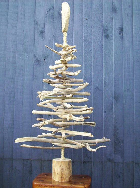 Alternative christmas tree wood little aesthete for How to make a hanging driftwood christmas tree