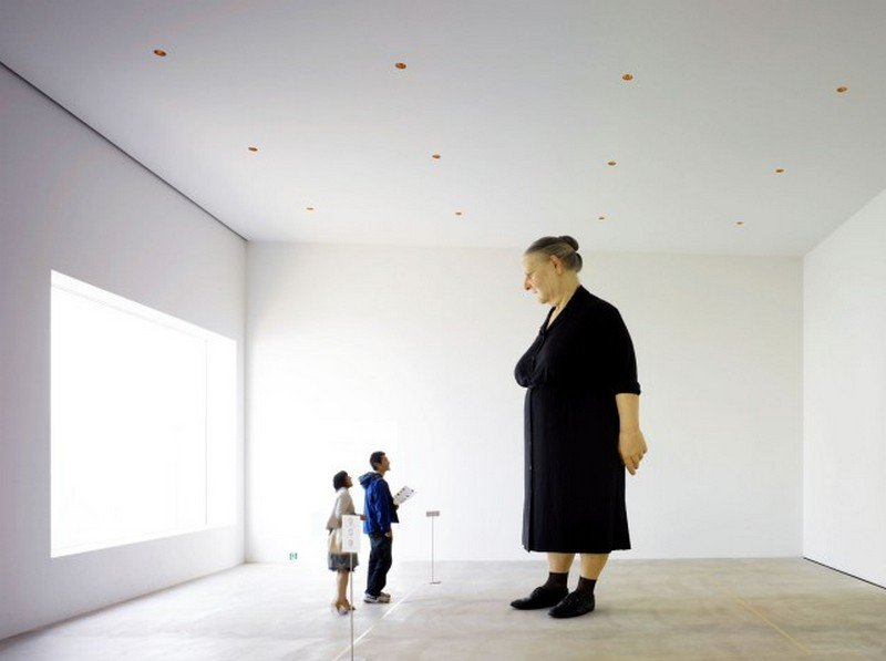 towada art center ron mueck standing woman
