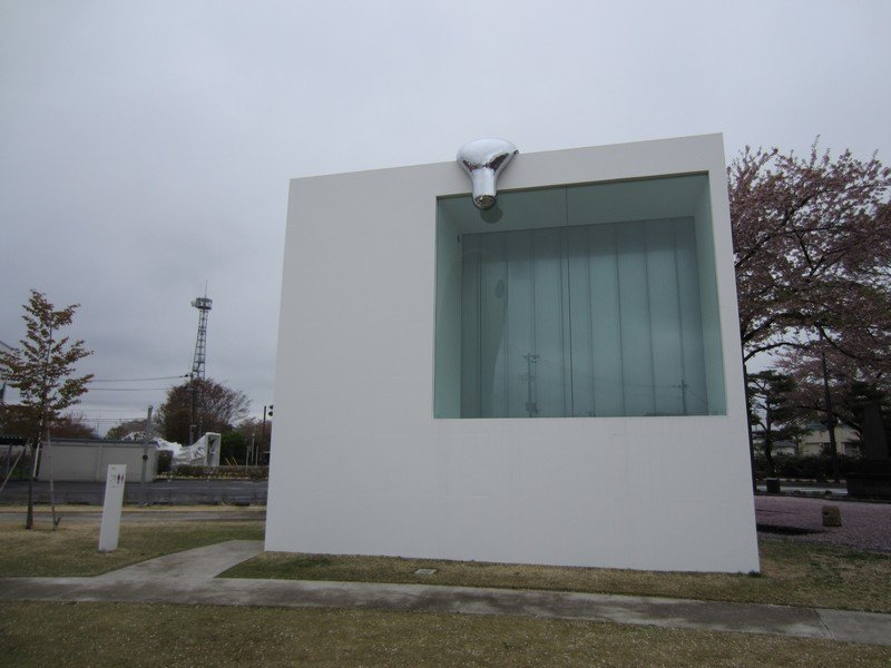 towada art center ryue nishizawa lavatory