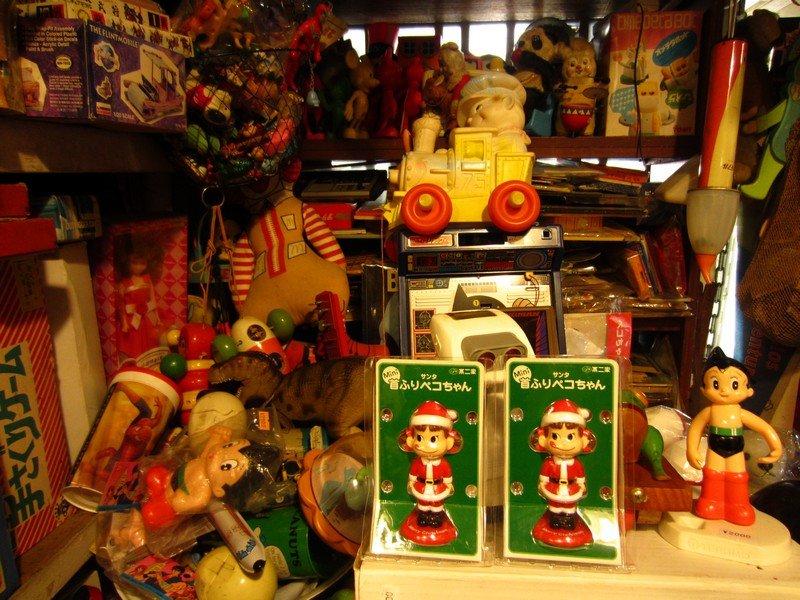 expo thrift store ueno13