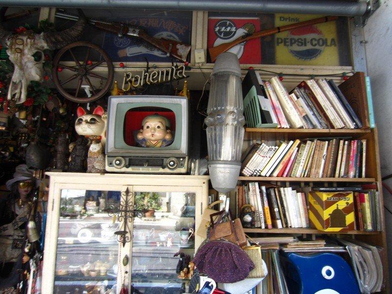 expo thrift store ueno2