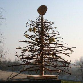 ALTERNATIVE CHRISTMAS TREE BY WOODREPUBLIC