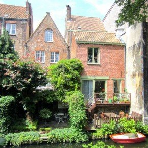 BRUGES IN 50 PICTURES